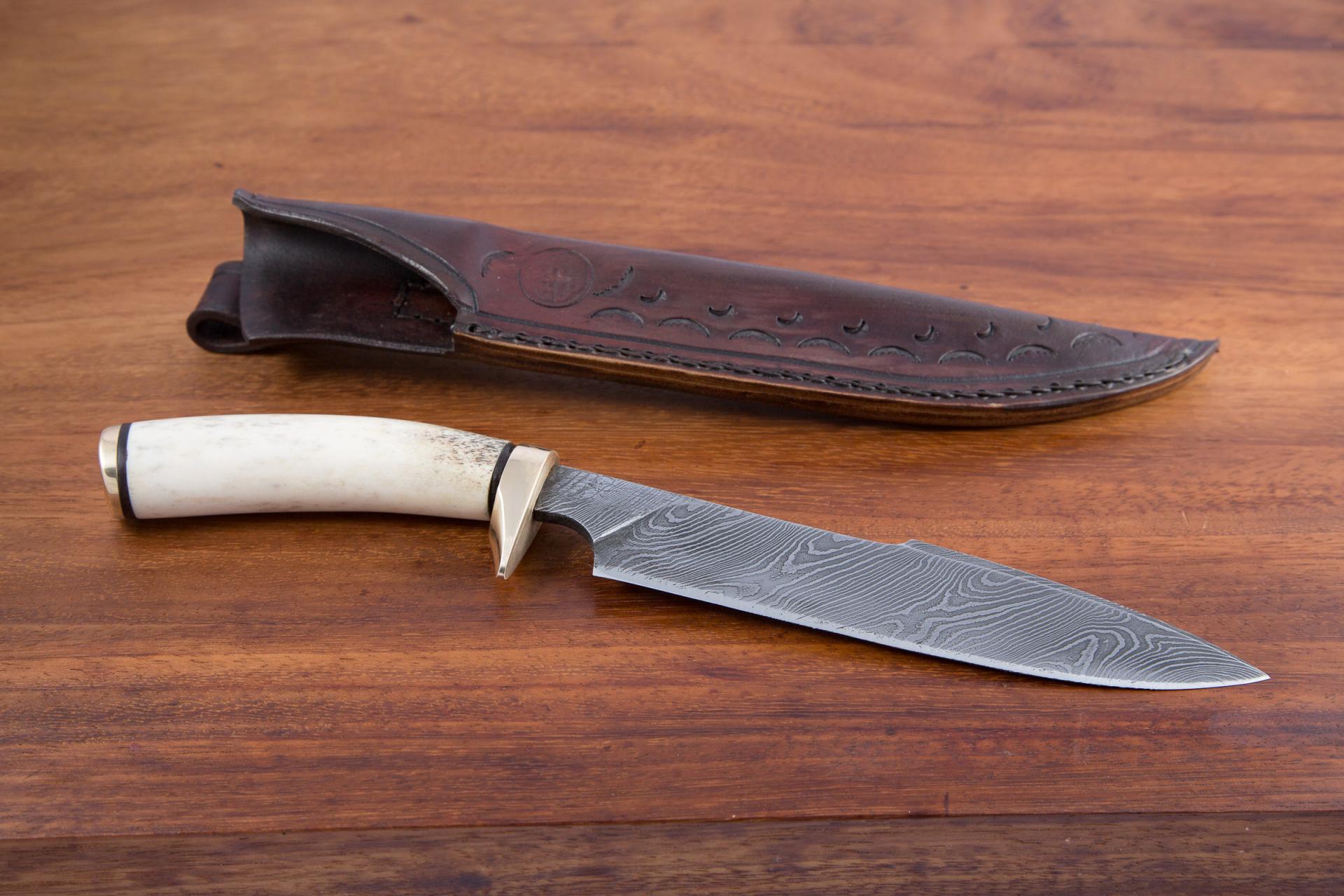 Couteau de chasse damas - manche bois de cerf